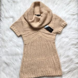 New BCBG sweater top jersey